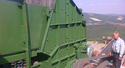 Stone crusher with opening 1200x1500mm and 250kw motor